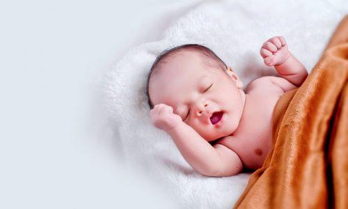 Kapuzenhandtuch für Babys – niedlich oder unnütz?